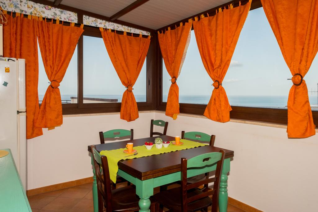 cucina abitabile vista mare a castellammare del golfo