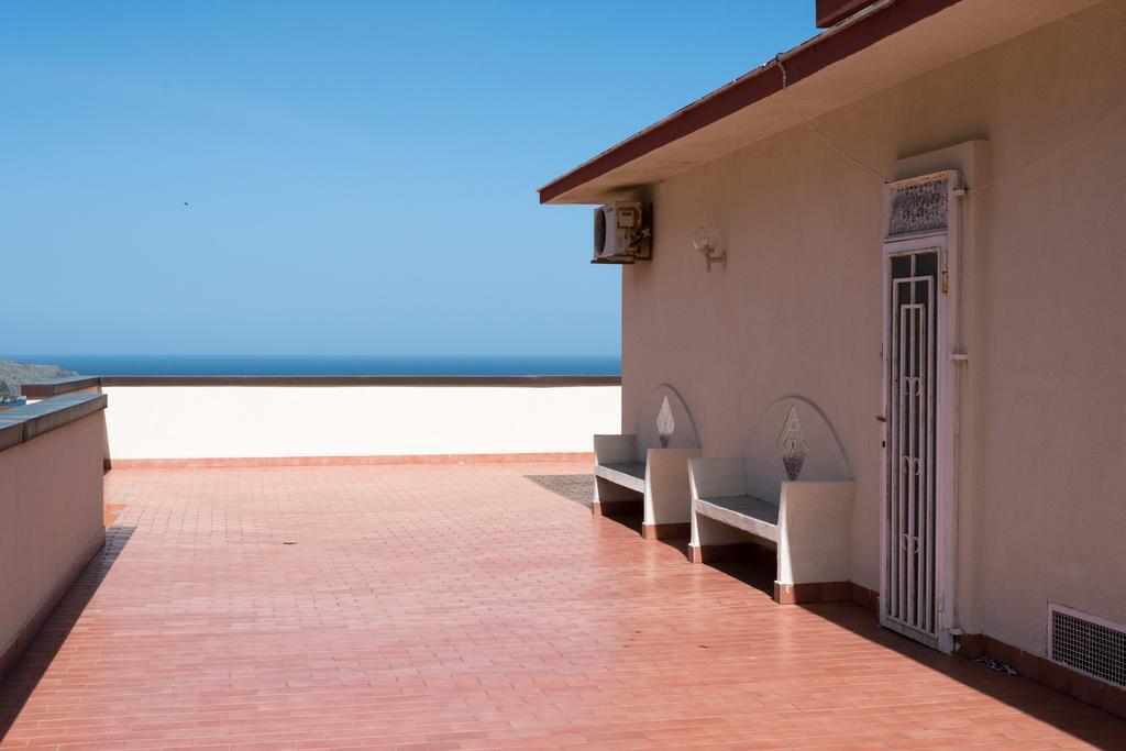terrazzo esclusivo con panorama su Castellammare del Golfo